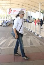 Imtiaz Ali snapped at airport on 10th March 2016 (52)_56e26c385d5c7.JPG