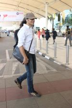 Imtiaz Ali snapped at airport on 10th March 2016