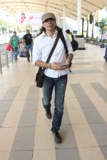 Imtiaz Ali snapped at airport on 10th March 2016 (57)_56e26c3e5b98e.JPG