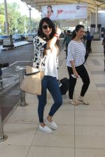 Sonal Chauhan snapped at airport on 10th March 2016 (21)_56e26c895e1be.JPG