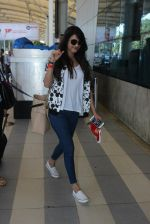 Sonal Chauhan snapped at airport on 10th March 2016 (23)_56e26c8b015dd.JPG