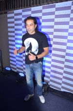 Bobby Deol at Tresorie store on 11th March 2016 (58)_56e40e0661c4c.JPG