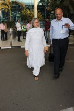 Jaya Bachchan snapped at airport on 11th March 2016 (56)_56e407f79e174.JPG