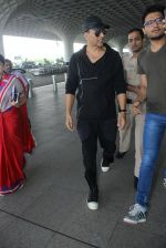 Akshay Kumar leave for Dubai with Emirates on 12th March 2016