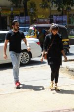 Emraan Hashmi_s mothers funeral on 13th March 2016 (10)_56e5755626578.JPG