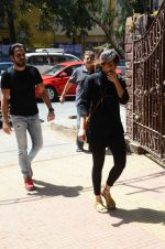 Emraan Hashmi_s mothers funeral on 13th March 2016 (11)_56e57557477f9.JPG