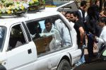 Emraan Hashmi_s mothers funeral on 13th arch 2016 (43)_56e5753f989e5.JPG