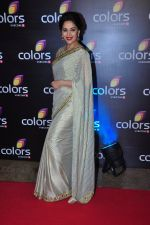 Madhuri Dixit at Colors red carpet on 12th March 2016 (255)_56e55414372b7.JPG