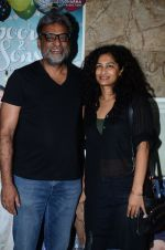 R Balki, Gauri Shinde at Kapoor N Sons screening on 15th March 2016 (47)_56e975c1453bd.JPG