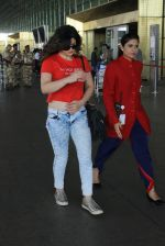 Zarine Khan snapped at airport on 15th March 2016 (18)_56e96dd60d3ca.JPG