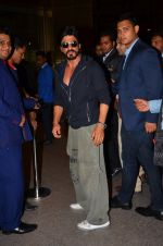 Shahrukh Khan leave for TOIFA on 16th March 2016