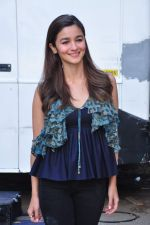 Alia Bhatt at kapoor n sons photo shoot on 17th March 2016