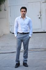 Emraan Hashmi snapped at Azhar photoshoot on 17th March 2016 (50)_56ebe92be19e5.JPG