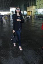 Karisma Kapoor snapped at airport on 17th March 2016