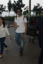 Kartik Aaryan snapped at airport on 17th March 2016