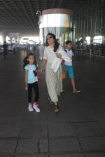 Mini Mathur snapped at airport on 17th March 2016