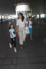 Mini Mathur snapped at airport on 17th March 2016 (19)_56ebeab96e388.JPG