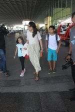 Mini Mathur snapped at airport on 17th March 2016 (20)_56ebeabab9f07.JPG