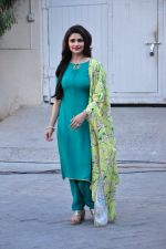 Prachi Desai snapped at Azhar photoshoot on 17th March 2016 (40)_56ebe99d6374d.JPG