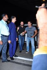 Salman Khan snapped at airport on 17th March 2016 (107)_56ebeae64615d.JPG