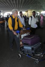 Naseeruddin Shah snapped at airport on 18th March 2016