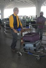 Naseeruddin Shah snapped at airport on 18th March 2016 (20)_56ed405ed638e.JPG