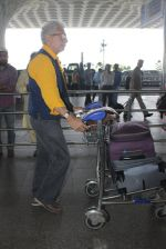 Naseeruddin Shah snapped at airport on 18th March 2016 (23)_56ed40655fcdf.JPG