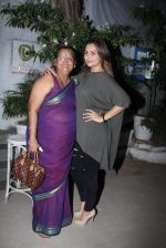 Amrita Arora snapped post dinner at Olive in Bandra on 20th March 2016 (12)_56efbeb498995.JPG