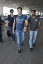 Emraan Hashmi snapped at airport on 20th March 2016
