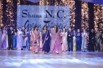 Manisha Koirala walk the ramp for Shaina NC_s show at CPAA Fevicol SHOW on 20th March 2016 (81)_56f004a5119d6.JPG