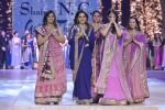 Manisha Koirala walk the ramp for Shaina NC_s show at CPAA Fevicol SHOW on 20th March 2016 (88)_56f004ce89409.JPG