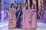 Manisha Koirala walk the ramp for Shaina NC_s show at CPAA Fevicol SHOW on 20th March 2016 (90)_56f004d877389.JPG