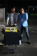 Manmet and Harmeet Gulzar snapped at airport on 19th March 2016 (41)_56ef99de8a762.JPG