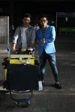 Manmet and Harmeet Gulzar snapped at airport on 19th March 2016 (42)_56ef99df50a80.JPG