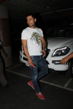 Randeep Hooda snapped at airport on 19th March 2016