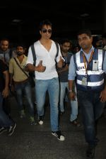 Sonu Sood snapped at airport on 19th March 2016 (71)_56ef9a158934c.JPG