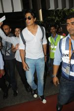 Sonu Sood snapped at airport on 19th March 2016 (75)_56ef9a1b98702.JPG