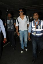 Sonu Sood snapped at airport on 19th March 2016 (78)_56ef9a1e6ab39.JPG