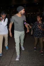 Varun Dhawan snapped at airport on 19th March 2016