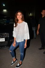 Alia Bhatt snapped at a photo shoot on 21st March 2016