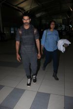 Shahid Kapoor snapped at airport on 21st March 2016