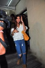 Shilpa Shetty snapped with family at pvr on 21st March 2016 (8)_56f0f2dae7844.JPG