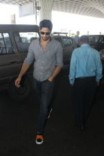 Sidharth Malhotra snapped at airport on 21st March 2016