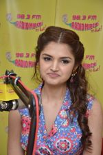 Tara Berry at radio mirchi studio to promote their film on 21st March 2016 (2)_56f0e80c8fff9.JPG