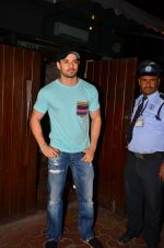 Sooraj Pancholi snapped in Bandra on 22nd March 2016