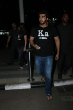 Arjun Kapoor snapped at airport on 23rd March 2016