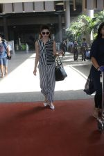 Urvashi Rautela snapped at airport on 23rd March 2016