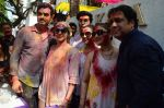 Esha Deol, Govinda at Holi celebration on 24th March 2016 (26)_56f518e2c40e6.JPG