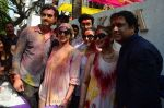 Esha Deol, Govinda at Holi celebration on 24th March 2016 (27)_56f518e7a5b81.JPG