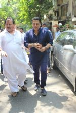 Govinda Snapped on 24th March 2016 (5)_56f51c1f486d7.JPG
